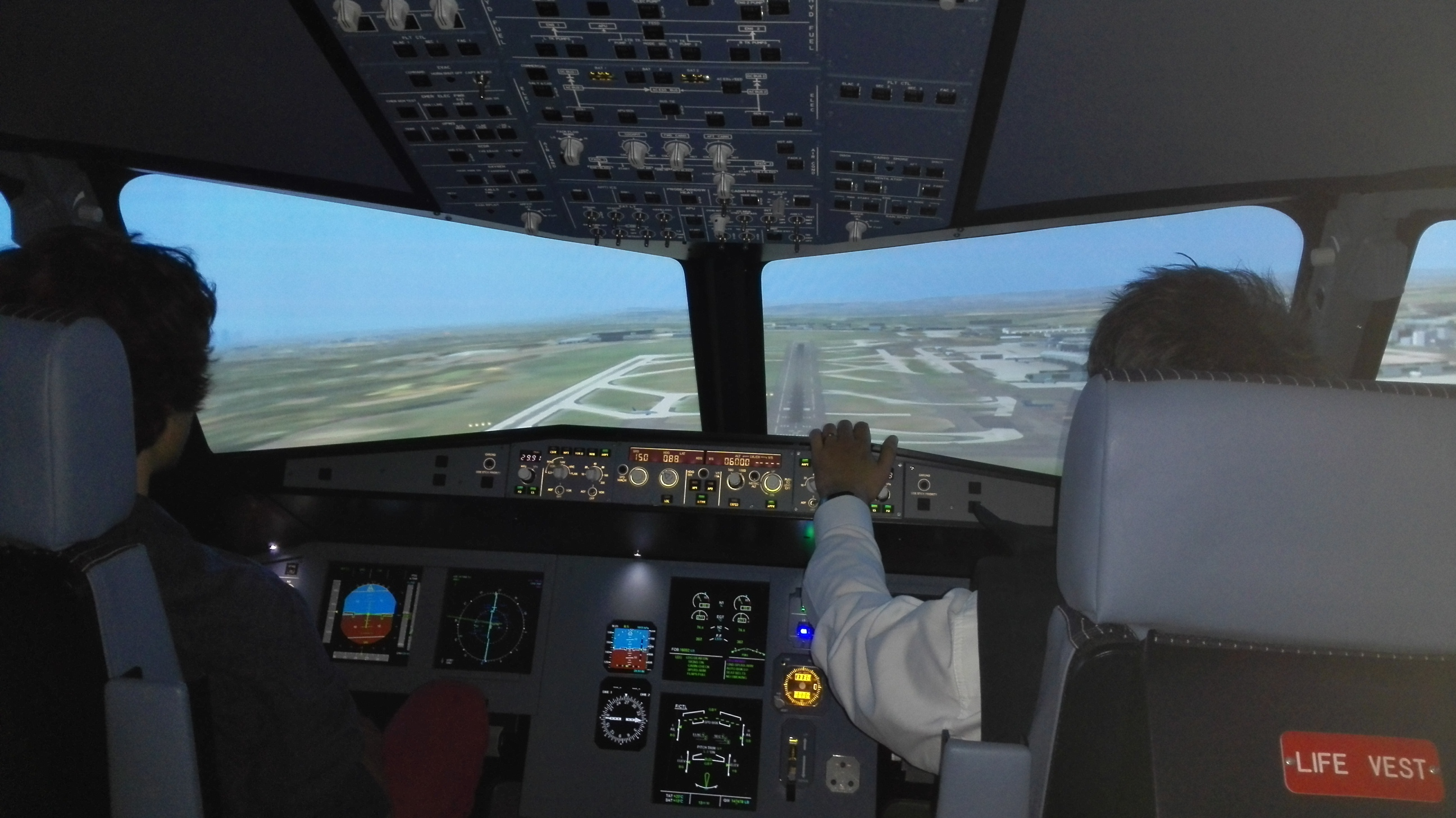 iflight simulator airbus a320 situ marne la vall e les simulateurs de vol. Black Bedroom Furniture Sets. Home Design Ideas
